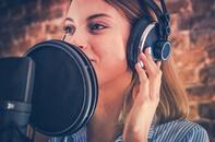 Voix-off femme Business