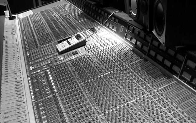 ▶︎ Mixage Pro (Analogique & Numérique) + Mastering